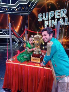 Rupsa Batabyal lifted a Super Dancer 3 Winner Trophy in Finale